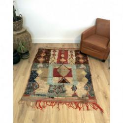 Petit tapis Boucherouite presque carré aux couleurs douces et mates bleu beige rouge