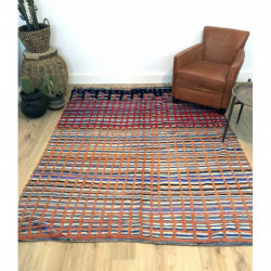 Tapis berbère ancien à la composition originale type quadrillage, alternance entre laine épaisse et nœuds serrés
