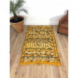 Tapis berbère Kilim jaune et motifs géométriques