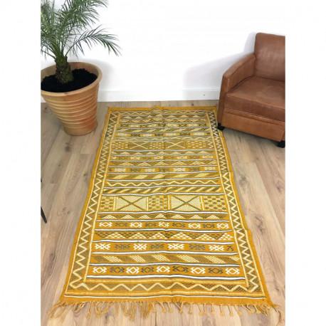 Tapis berbère Kilim fin couleur jaune et motifs beiges