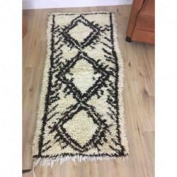 Petit tapis berbère Beni Ouarain noir et blanc