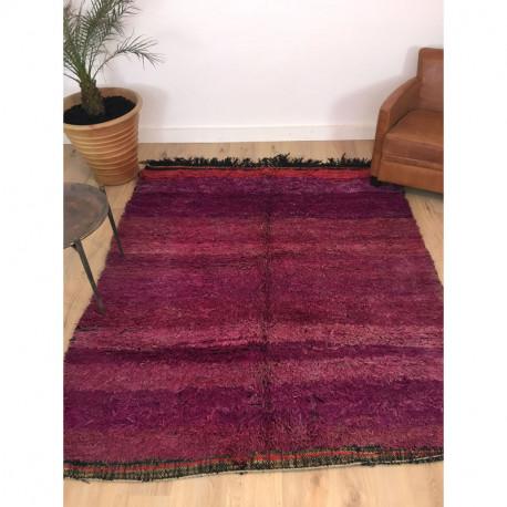 Tapis berbère Beni M'Guild laine dense au magnifique dégradé violet rosé rouge