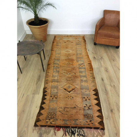 Long tapis berbère Boujad aux teintes marron et orange